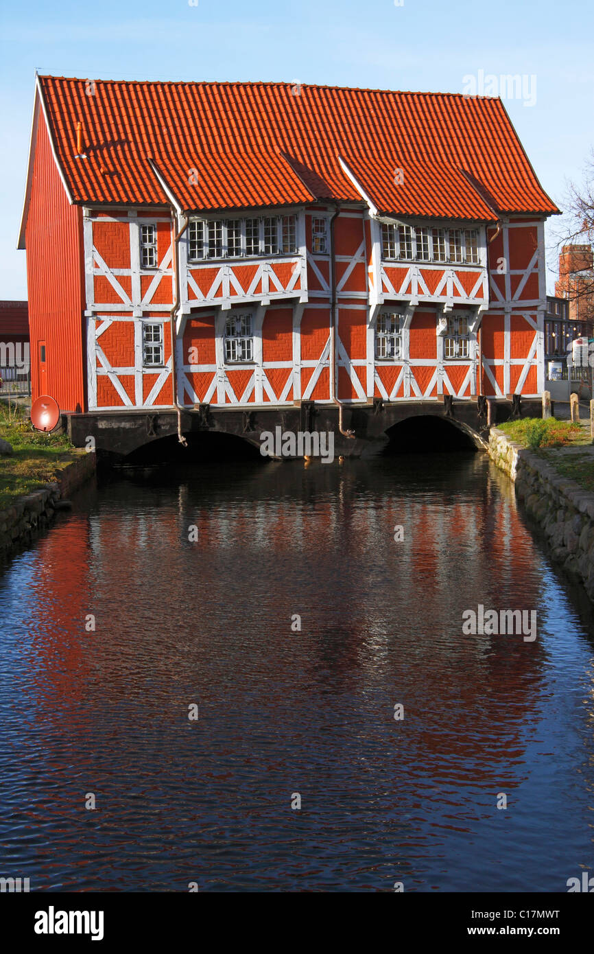 "Historic timber-framed ""Gewoelbe"", bridge house in the old harbour, Hanseatic City of Wismar, UNESCO World Heritage Stock Photo"