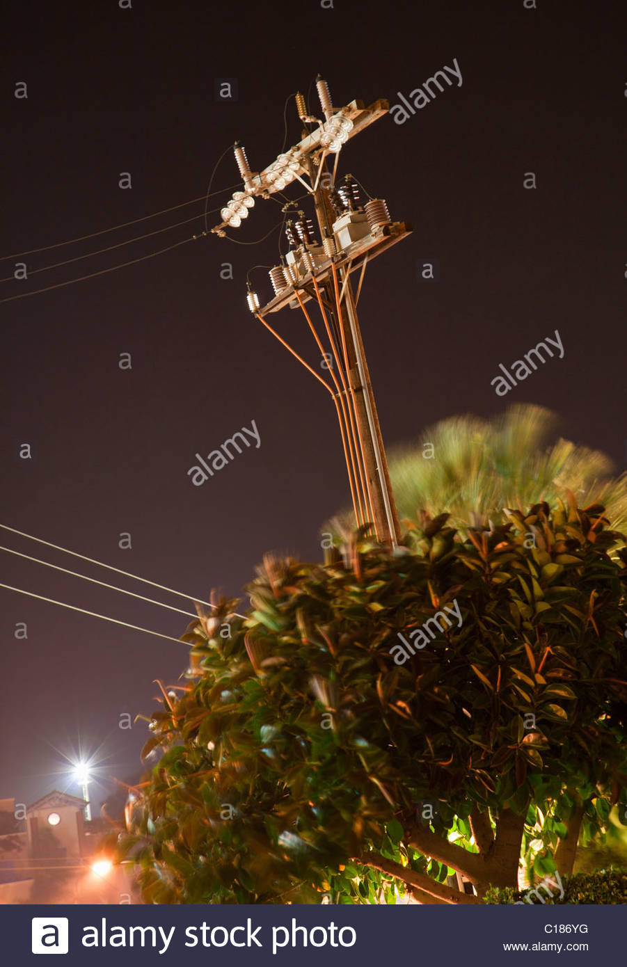 Electricity pylon at night - Stock Image