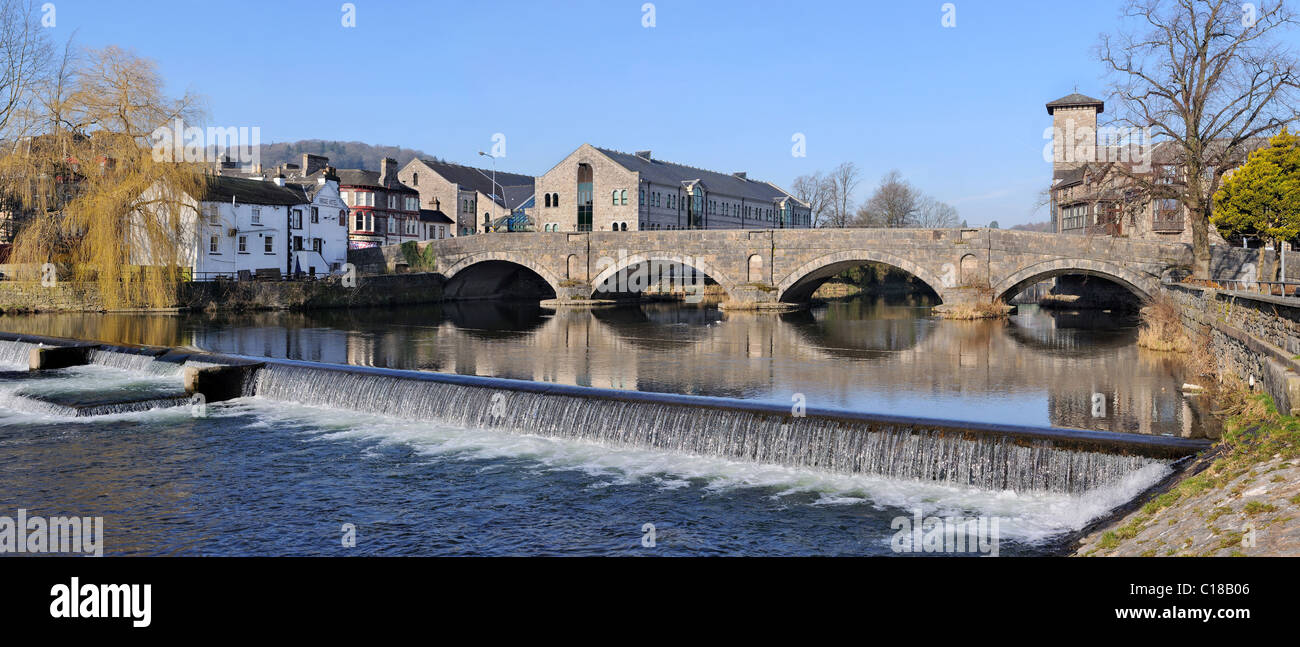 Stramongate Bridge and the weir - The River Kent,  Kendal, Cumbria. - Stock Image