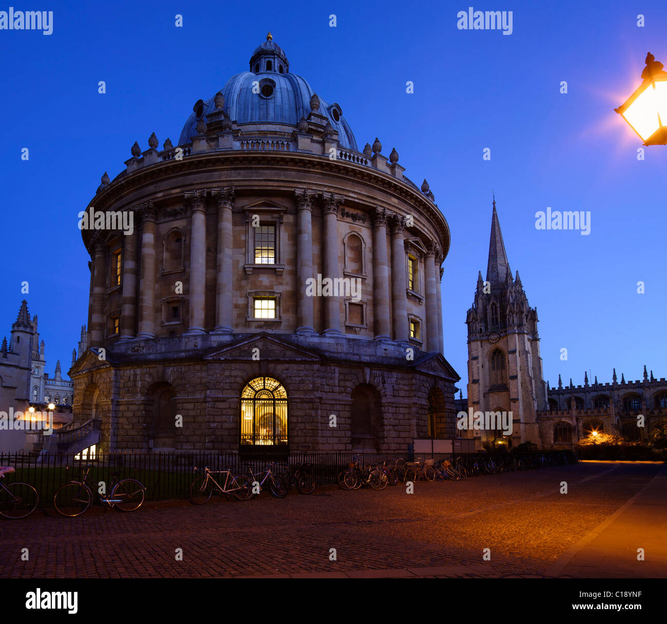 Radcliffe Camera and Church of St Mary the Virgin, evening light, Oxford University, Oxford, Oxfordshire, England, - Stock Image