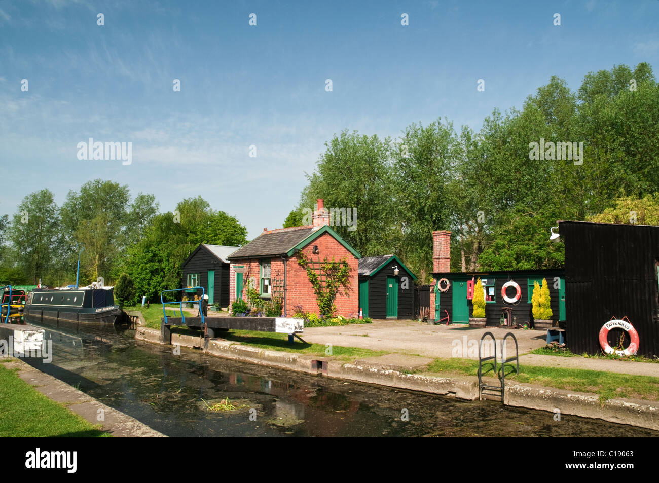 Lock keeper's building on a canal in Essex, England. - Stock Image