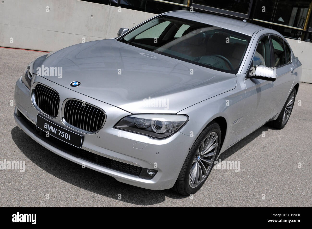 Location shot of a BMW 750i - Stock Image