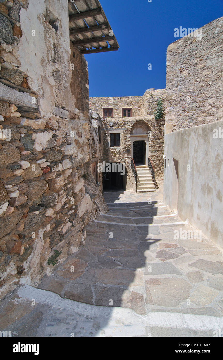 Alley in the historic city centre of Naxos on the way to Castro, Cyclades, Greece, Europe - Stock Image
