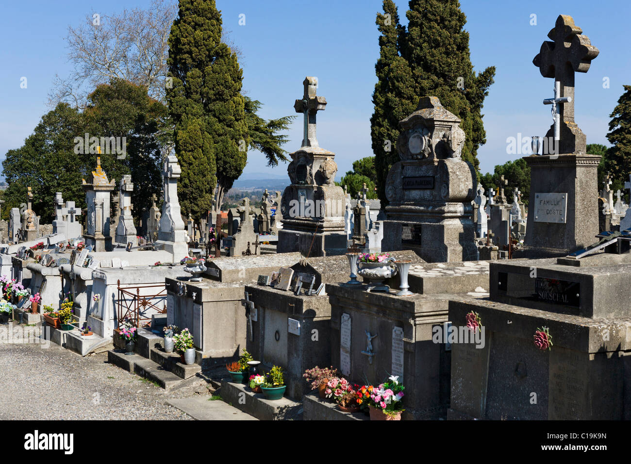 Graveyard outside the old walled city (Cite) in Carcassonne, Languedoc, France - Stock Image