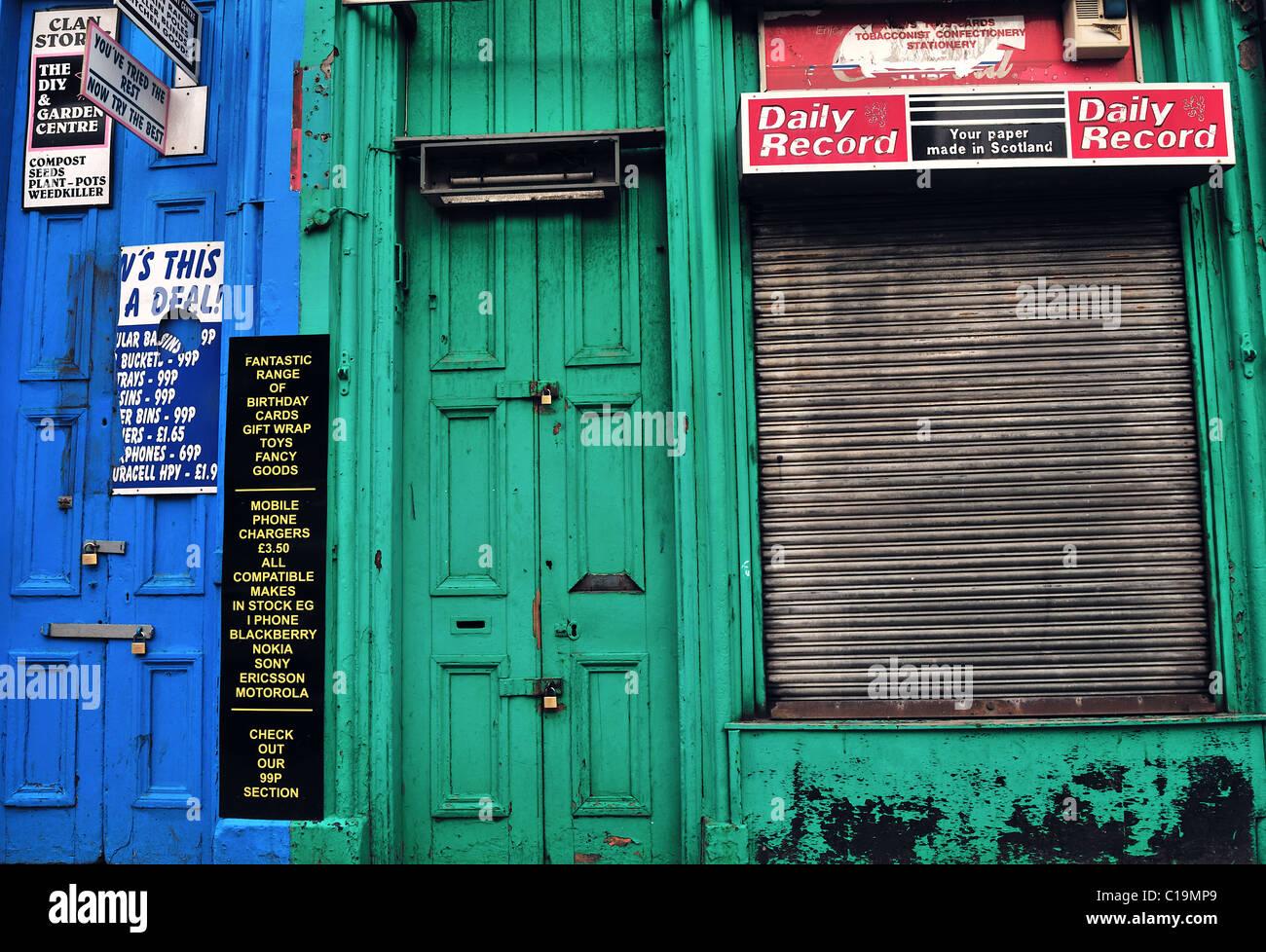 Run-down shops in Argyle Street, Glasgow - Stock Image