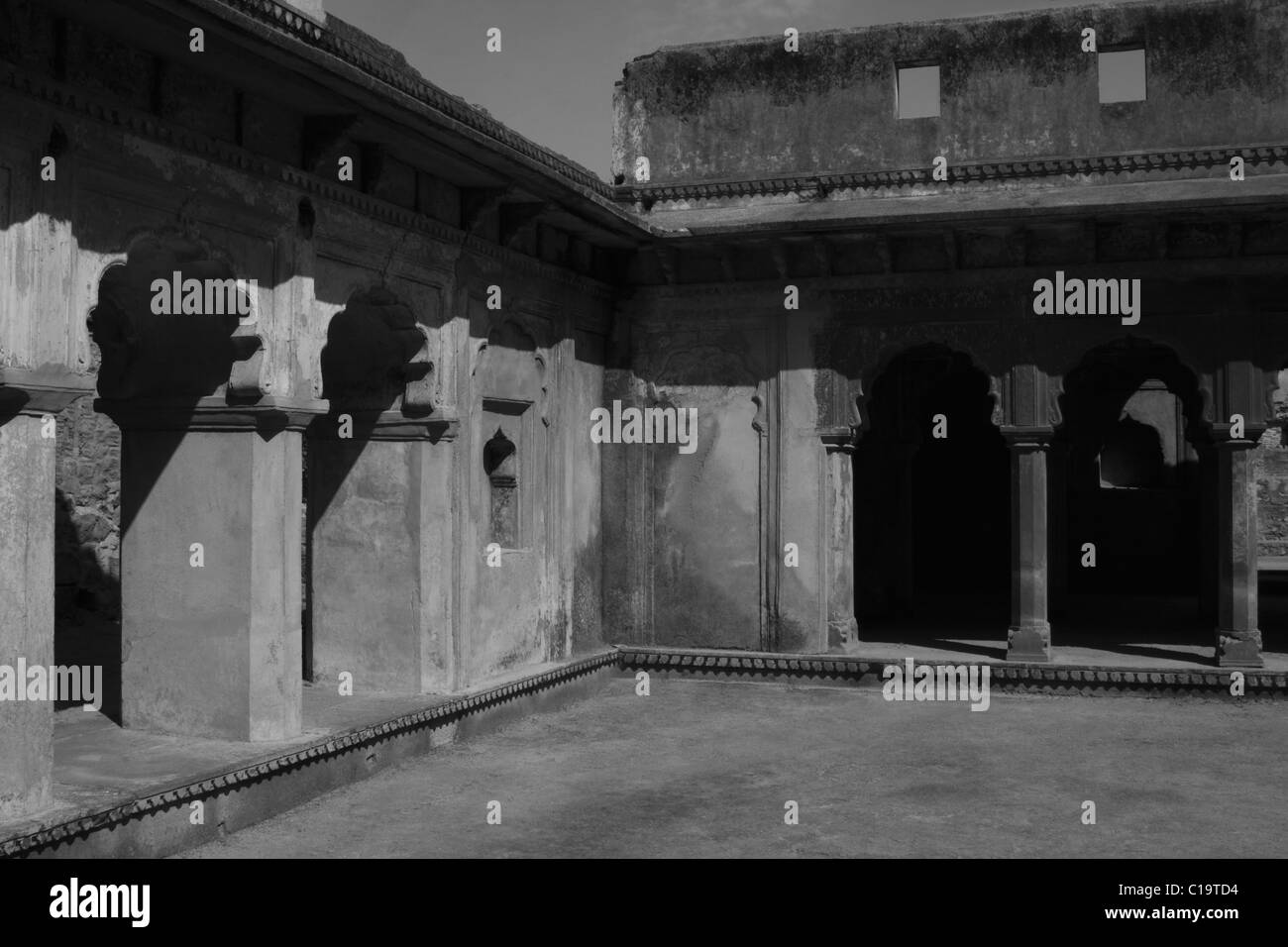 Arcade in a fort, Orchha Fort, Orchha, Madhya Pradesh, India - Stock Image