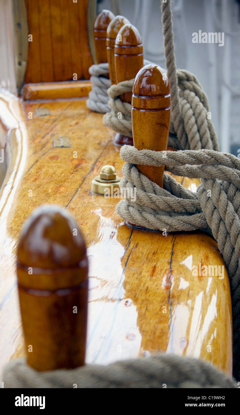 Sailboat with ropes and polished wood - Stock Image