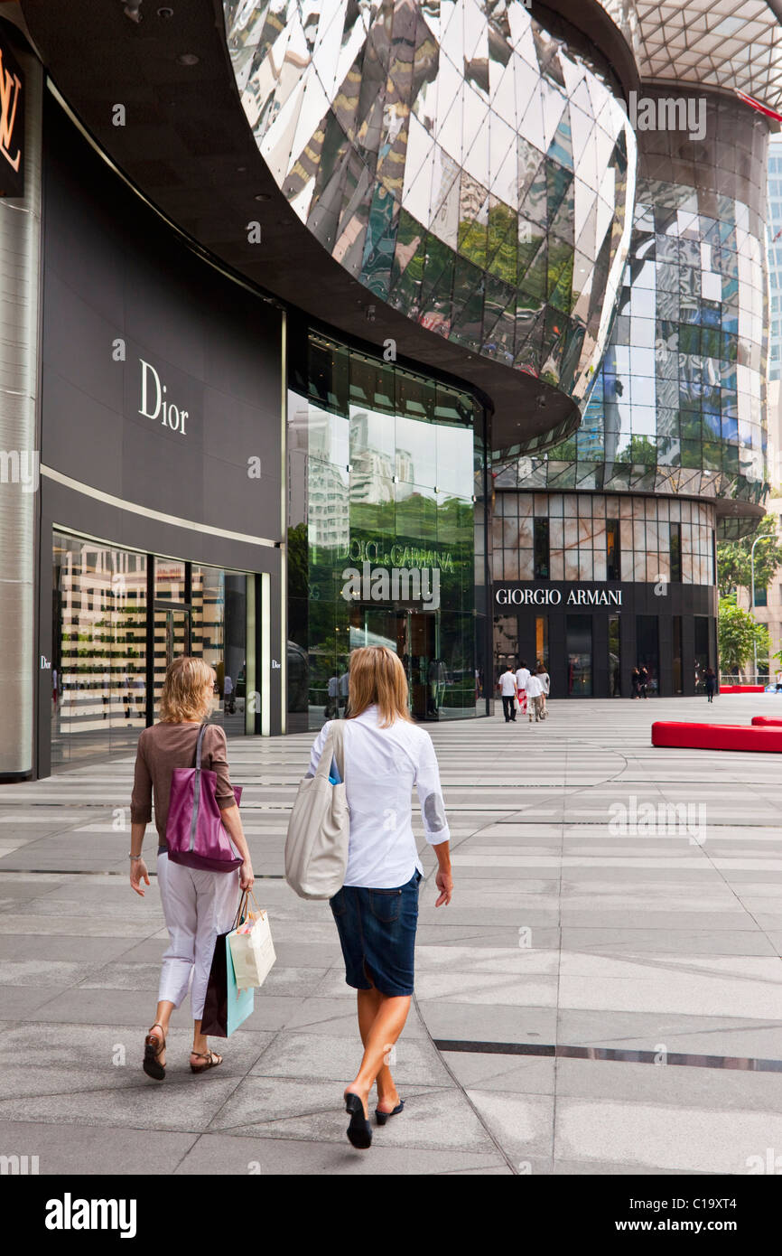Shoppers at the ION Orchard Mall, Orchard Road, Singapore - Stock Image