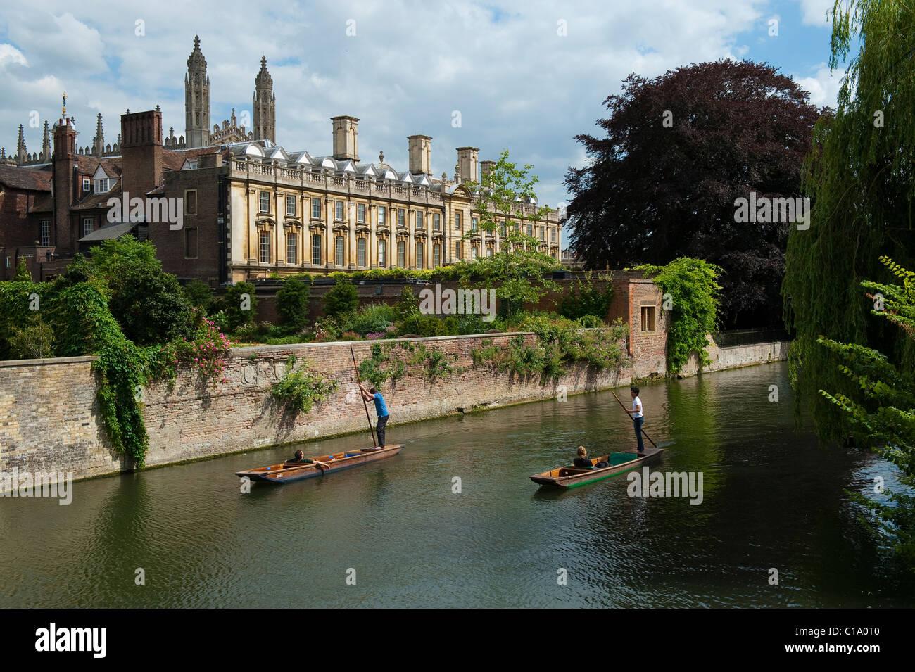 Tourists punting on The Backs, Cambridge - Stock Image