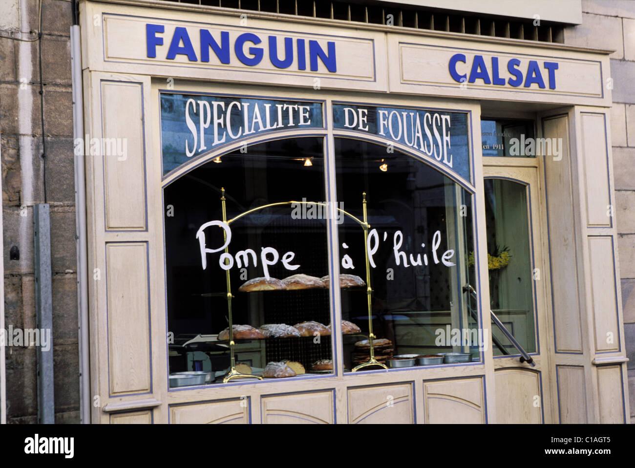 France, Aveyron, boulangerie vendant la Fouasse a Espalion (vallee du Lot) - Stock Image