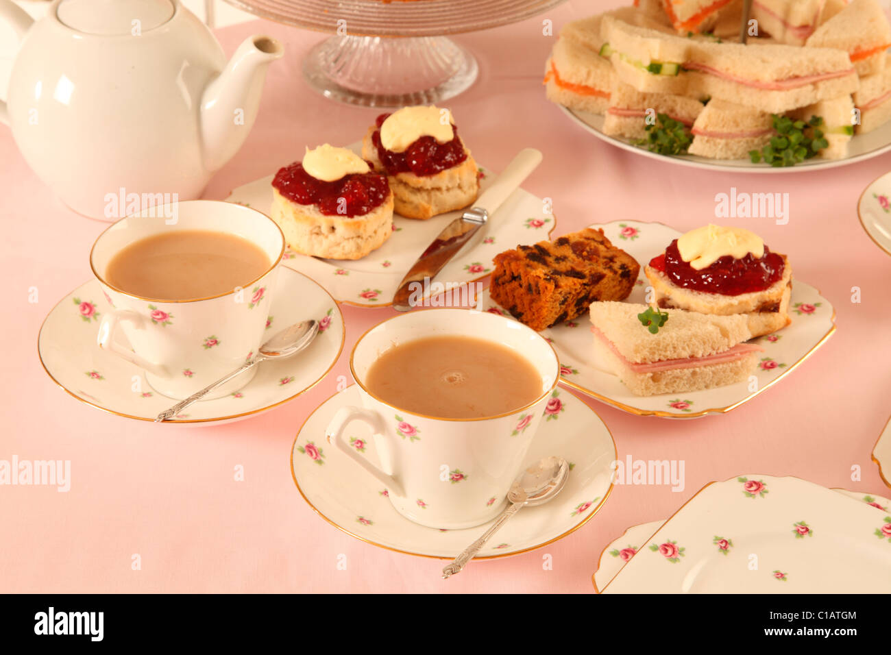 BRITISH AFTERNOON TEA WITH SCONES - Stock Image