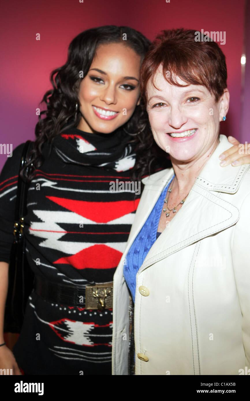 Alicia Keys And Her Mother Terri Augello Dr Barbara Ann Teer S