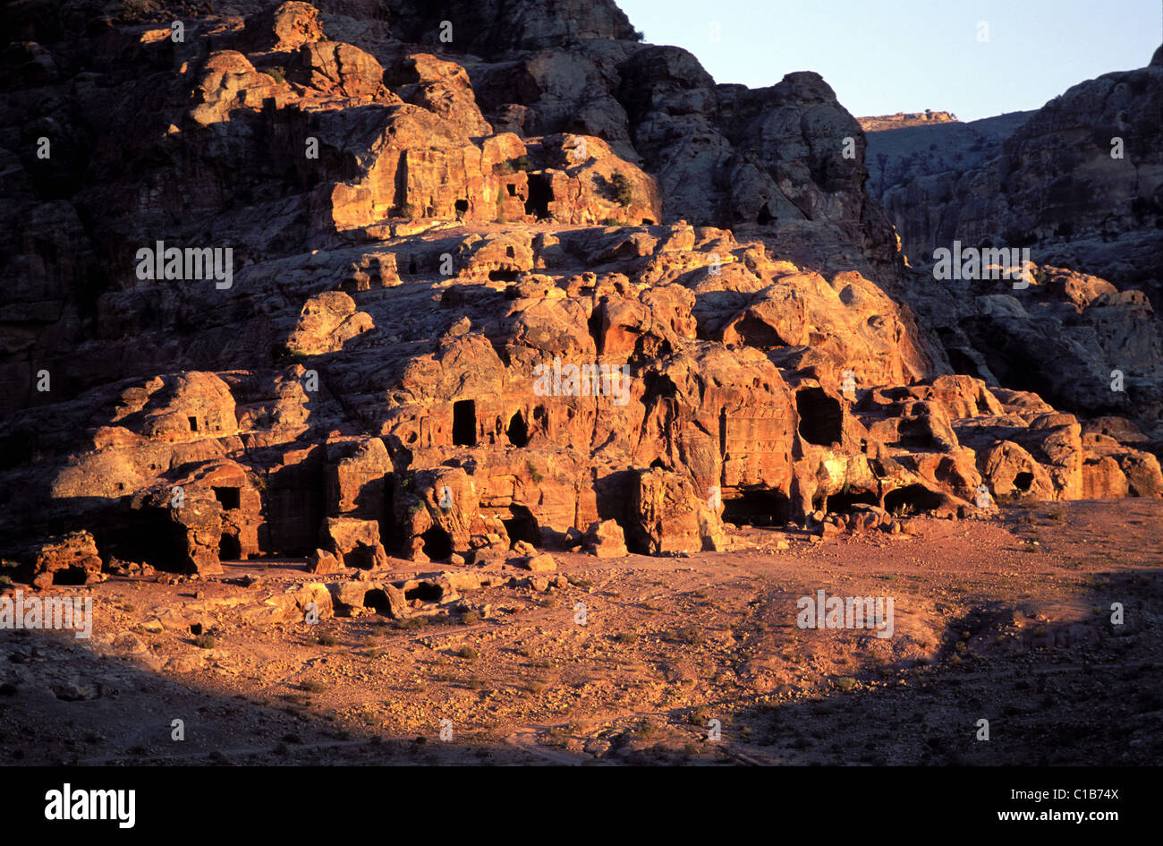 Jordan, Petra, graves attached to the Mountain Atuf which dominate the low city Stock Photo