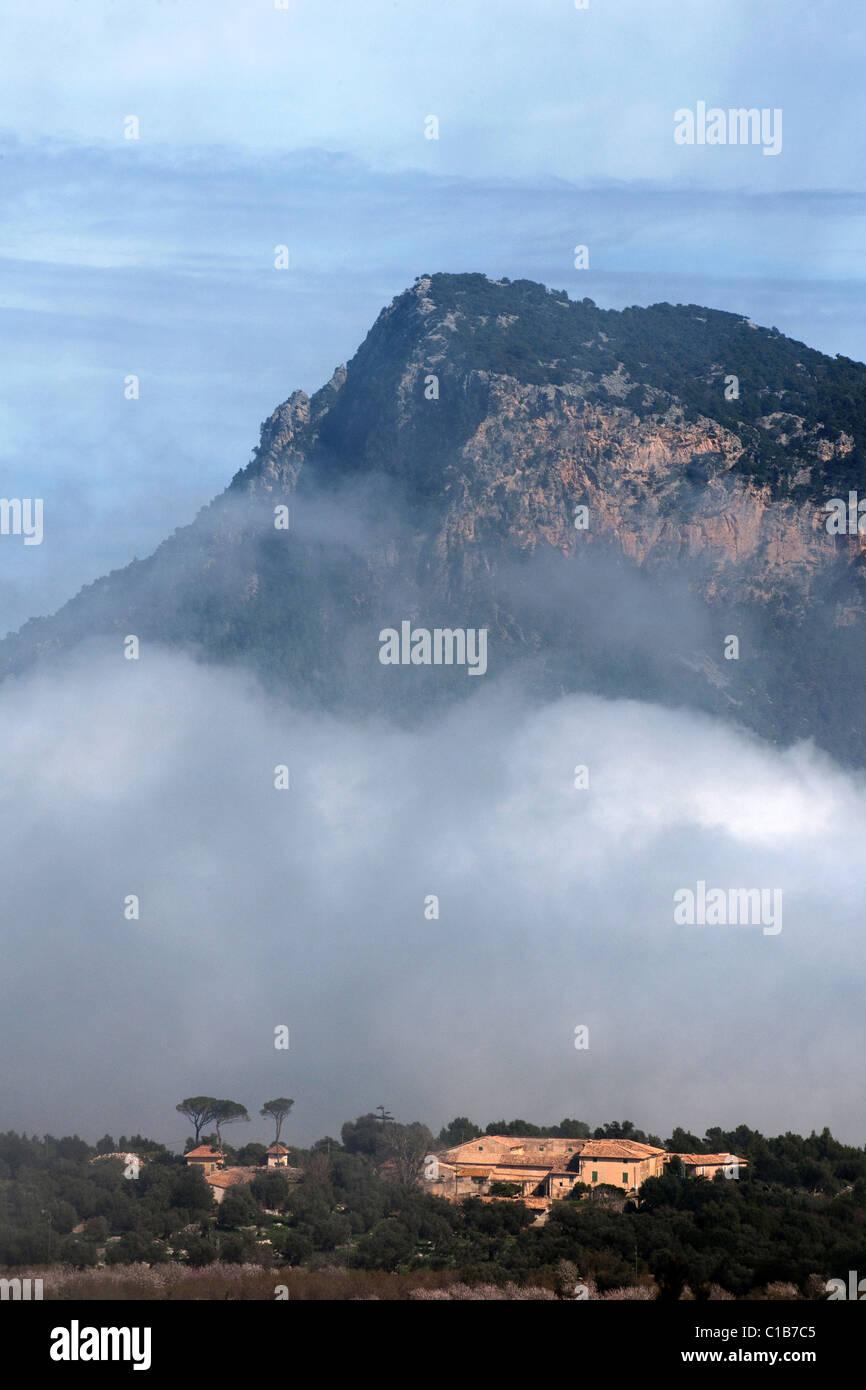valley near the village Valldemossa with finca and cloud, Serra de Tramuntana, Mallorca, Spain, - Stock Image