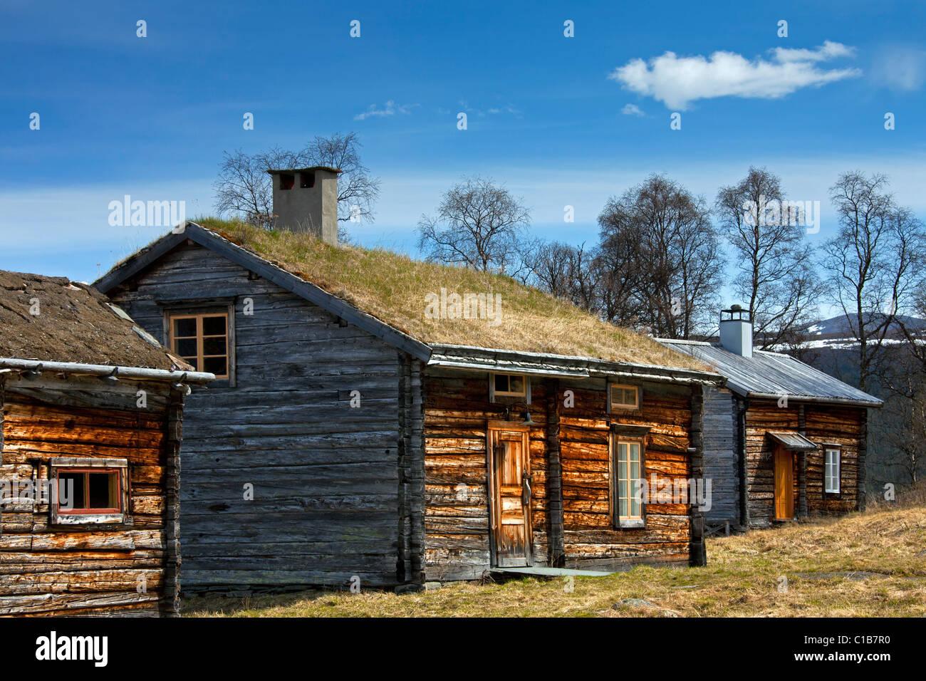 Log cabin with sod roof at Fatmomakke, Lapland, Sweden - Stock Image