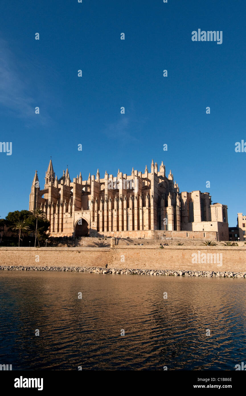 ES - MALLORCA: La Seu Cathedral at Palma de Mallorca, Spain - Stock Image