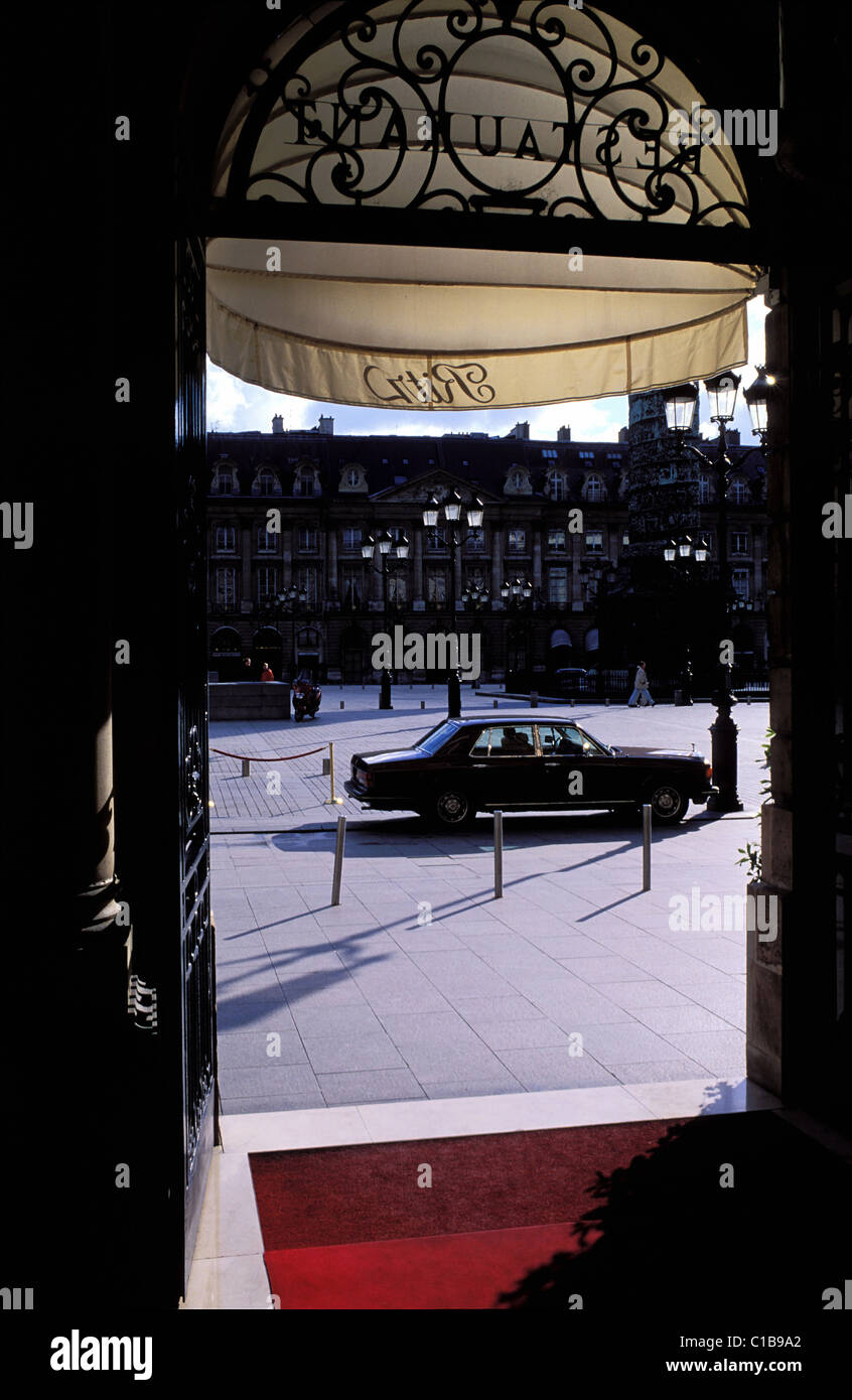 France, Paris, Rolls Royce car parked in front of the Ritz Hotel, place Vendome - Stock Image