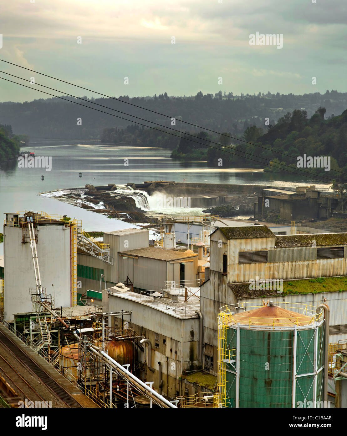 Electricity Power Plant at Willamette Falls Dam in Oregon City - Stock Image