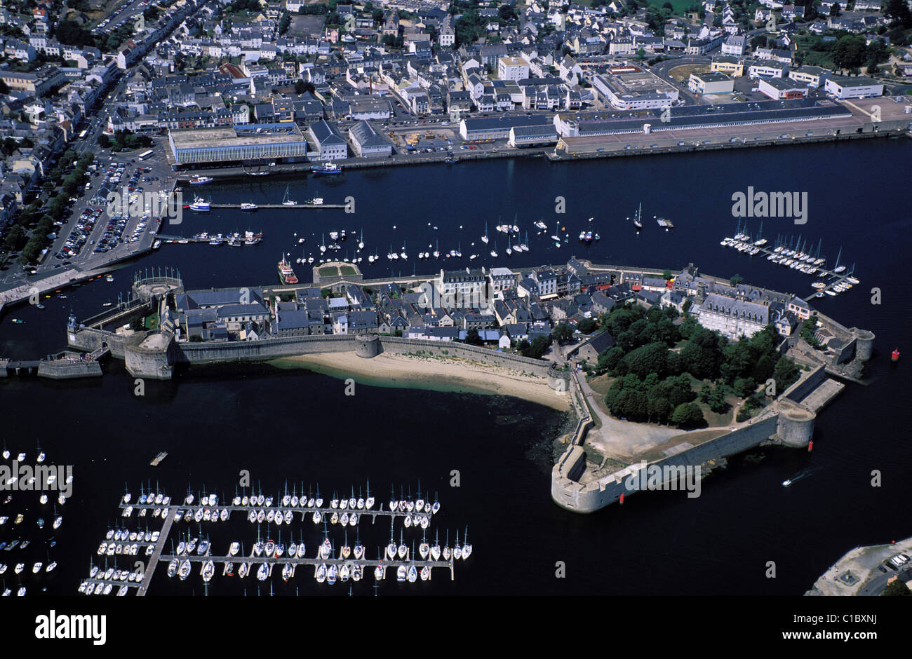 France, Finistere, Concarneau, the old enclosed town (aerial view) - Stock Image