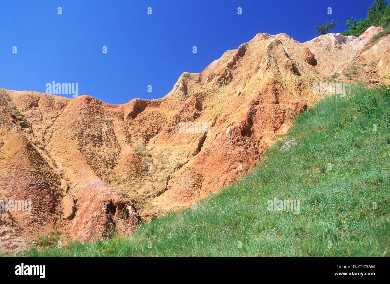 France, Puy de Dome, saints valley, reds clay in the plain of the Lembronnais, near Issoire - Stock Image