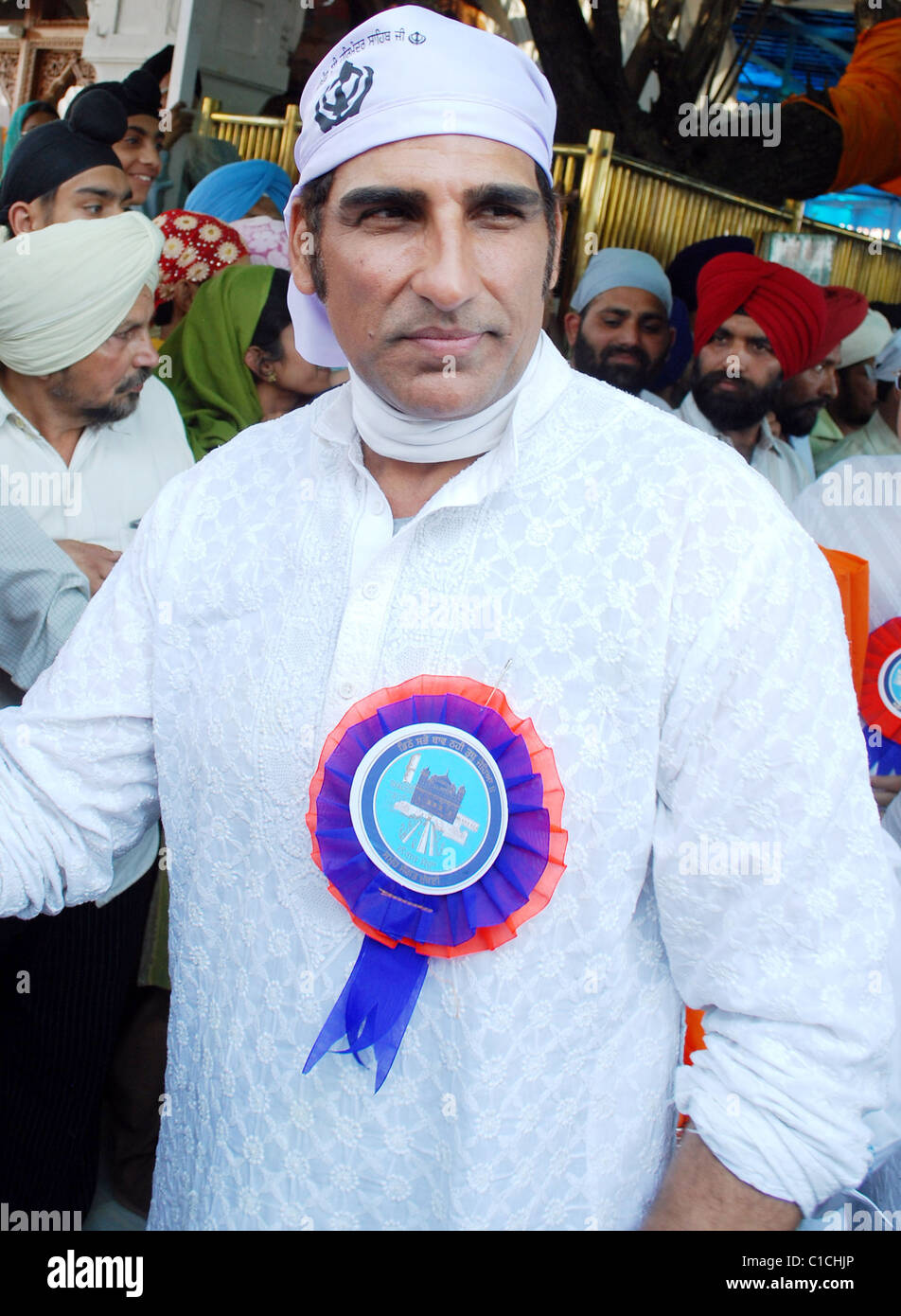 Bollywood Actor Mukesh Rishi on his way to pay obeisance at Golden Temple during his visit in Amritsar Amritsar, Stock Photo