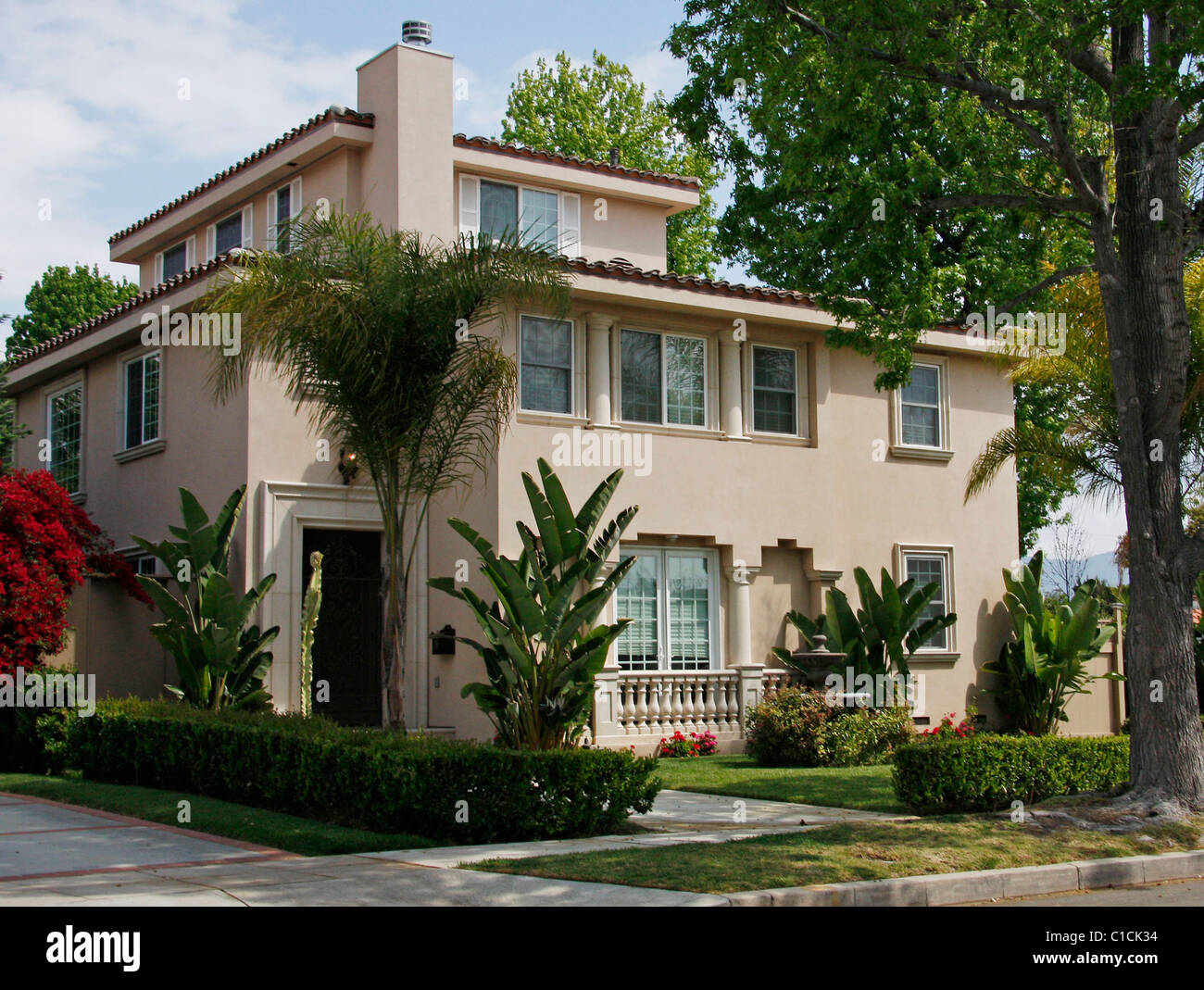 This Is The New House Of Disney Star Demi Lovato In The Toluca Lake Stock Photo Alamy