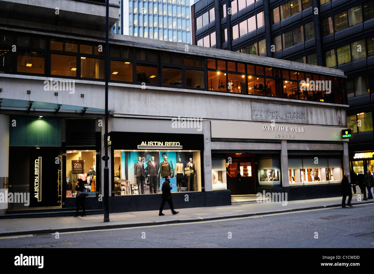 Street Scene In Fenchurch Street With Austin Reed Tailors And Mappin Stock Photo Alamy