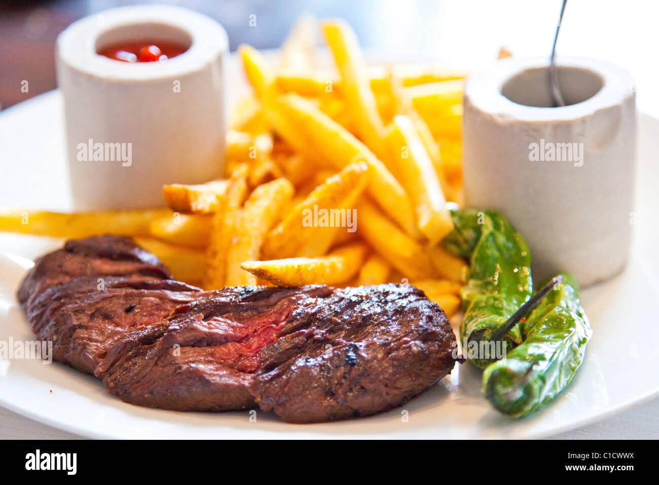 Prime hanger steak and frites, J&G Steakhouse at the W Hotel, Washington DC - Stock Image