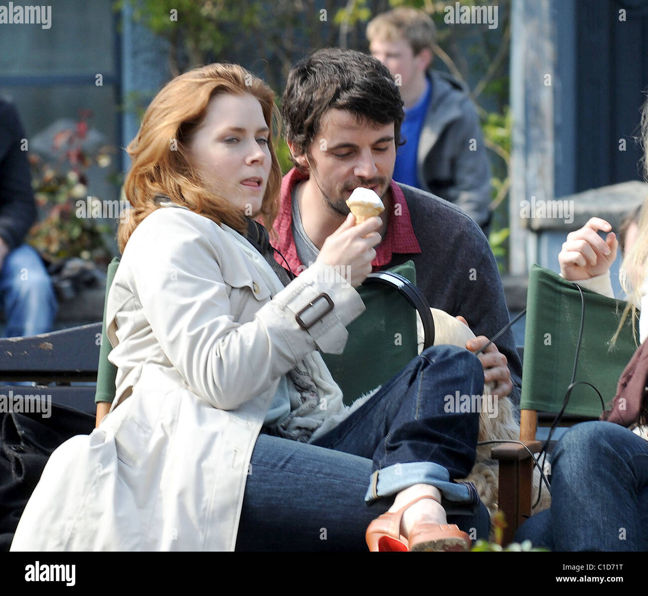 Amy Adams And Mathew Goode Filming On Location In