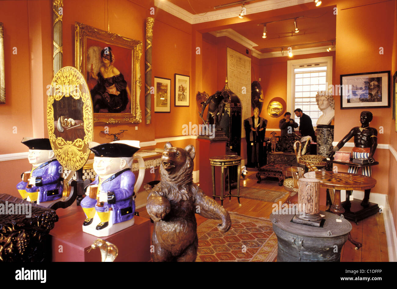 United Kingdom, London, antique shop - Stock Image