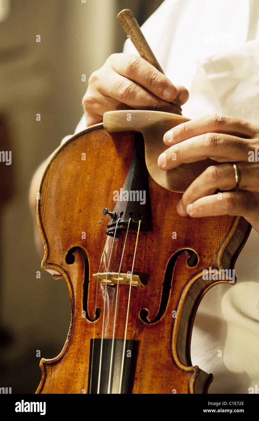 France, Paris, fabrication workshop of stringed instruments Watelot Rampal - Stock Image