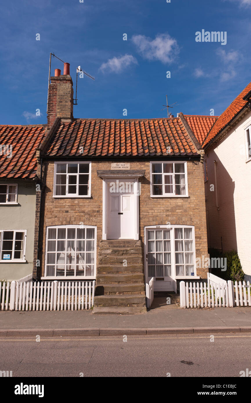 The Old Custom House with an unusual entrance in Aldeburgh , Suffolk , England , Britain , Uk - Stock Image