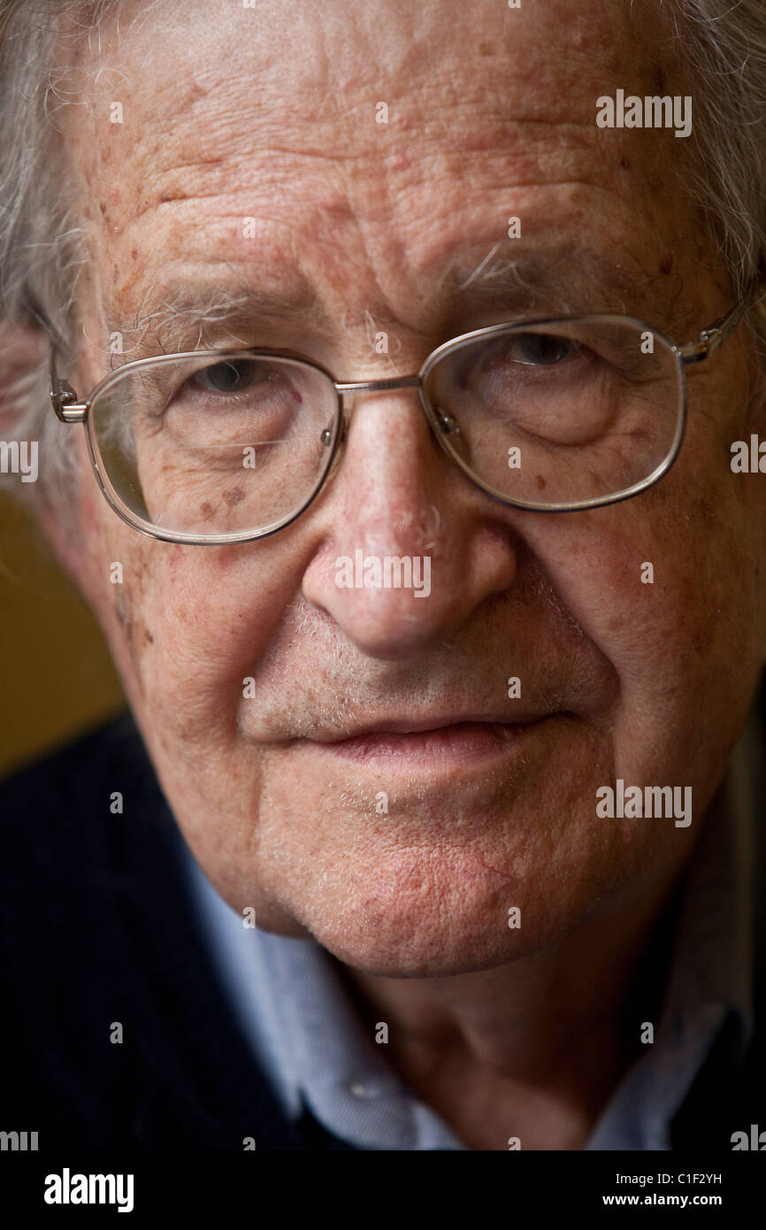 20110317 - BRUSSELS, BELGIUM :  Noam Chomsky gives a press conference to present his new book, called Hopes and - Stock Image