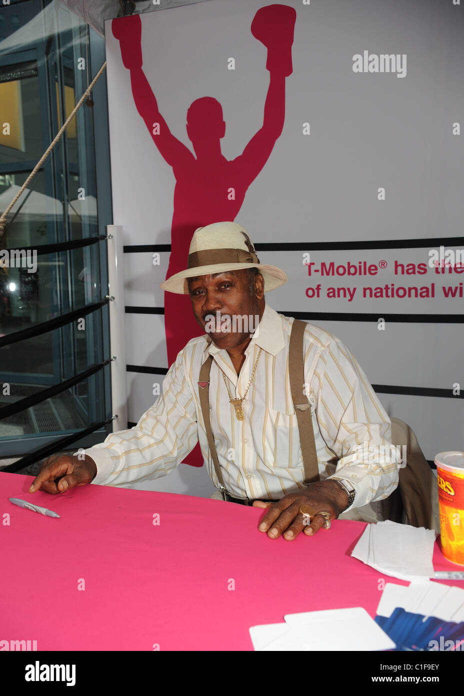 Boxer Olympic Gold Medalist Joe Frazier at the T-Mobile TKO challenge at Liberty Place Philadelphia, Pennsylvania - Stock Image