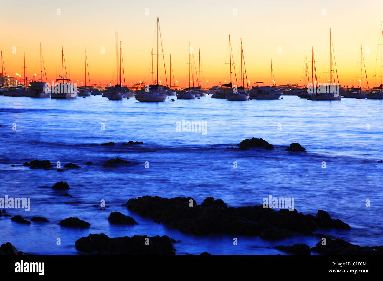 yatchs at Punta del Este coast, at sunset. Maldonado, Uruguay, south america - Stock Image