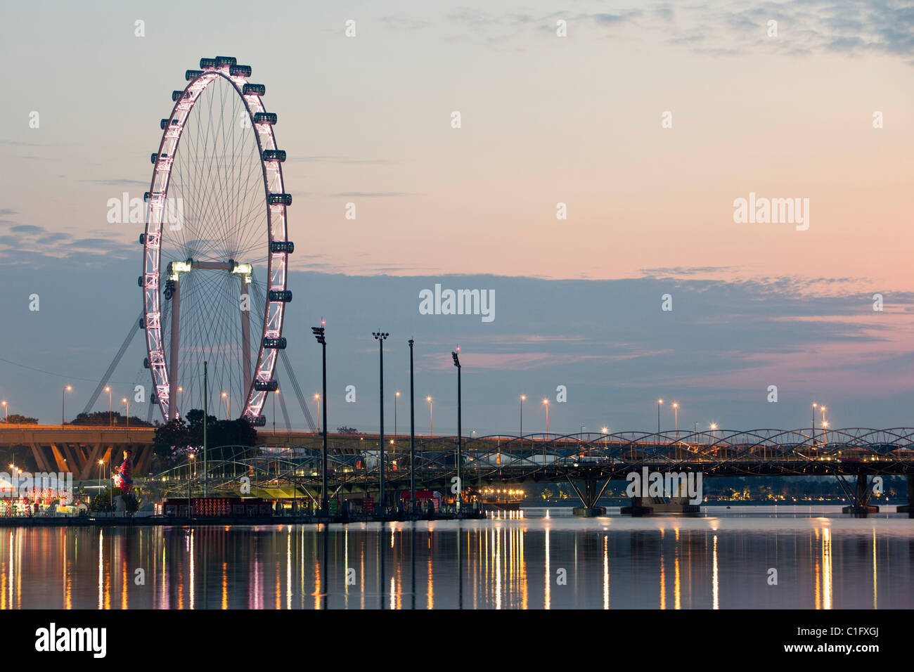The Singapore Flyer observation wheel, Marina Bay, Singapore - Stock Image