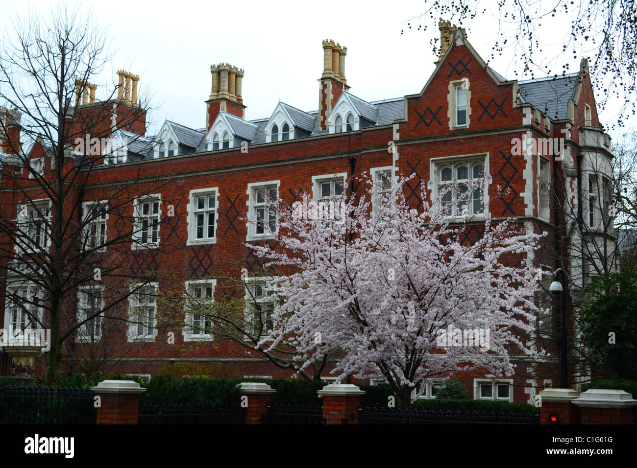 Elegant red brick apartments, Fulham Road, Kensington & Chelsea ...