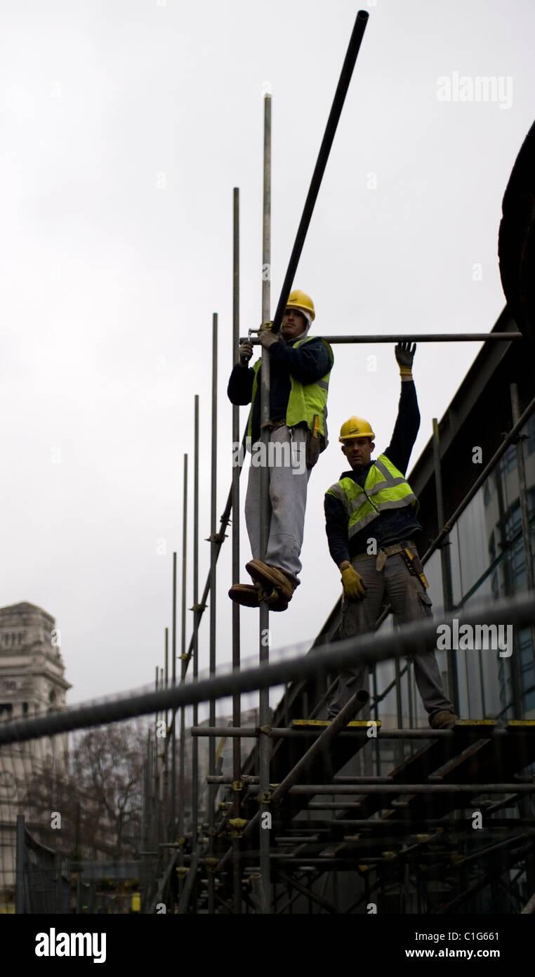 Scaffolders working in London. - Stock Image
