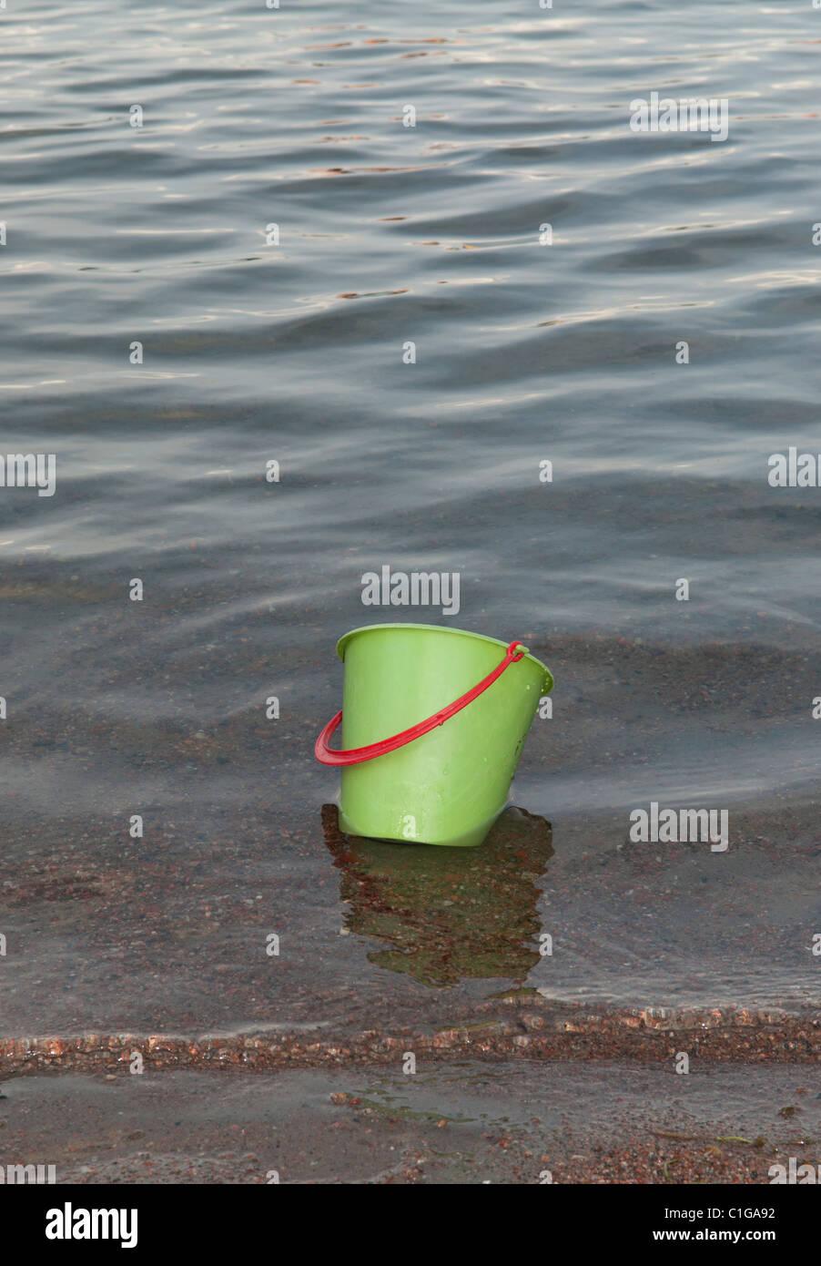 Bucket Of Water Stock Photos Amp Bucket Of Water Stock