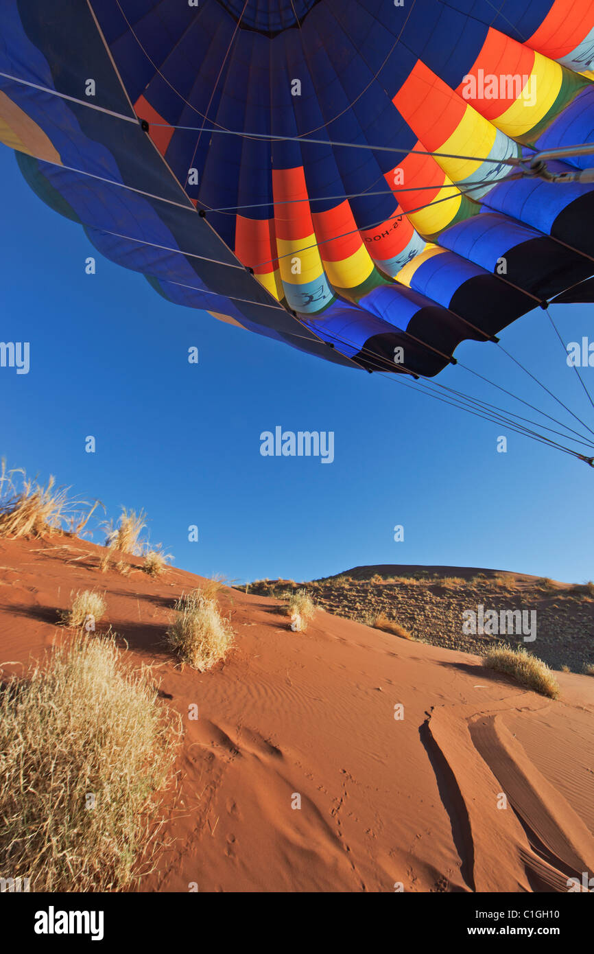 Hot-air balloon over the Namib desert. Namib-Naukluft Park, Namibia - Stock Image