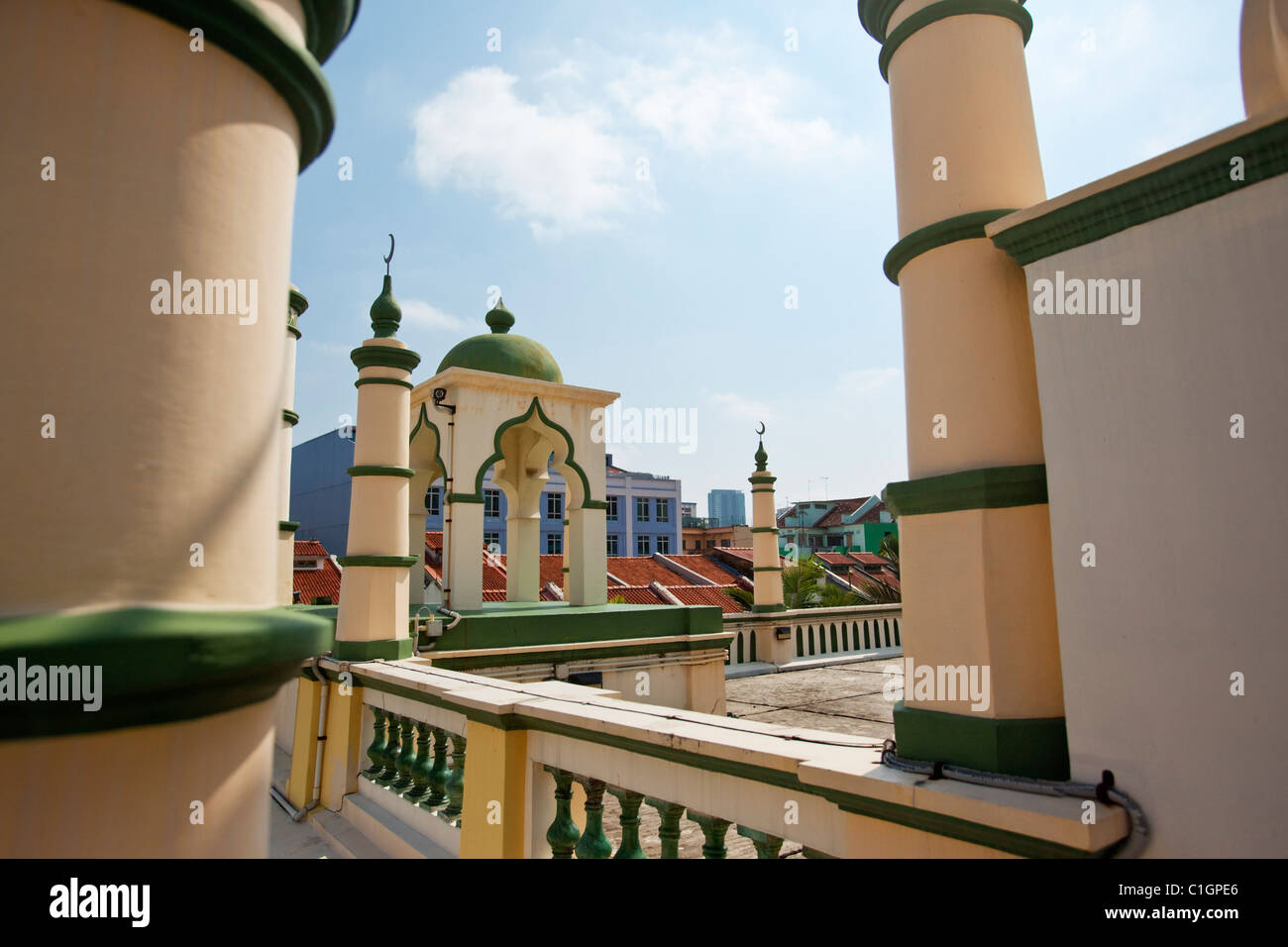 Islamic architecture of the Abdul Gaffoor Mosque.  Little India, Singapore - Stock Image