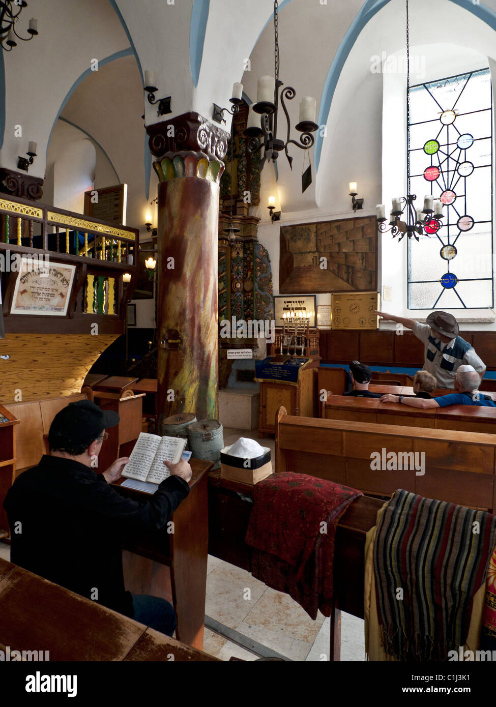 At prayer in a Safed synagogue - Stock Image