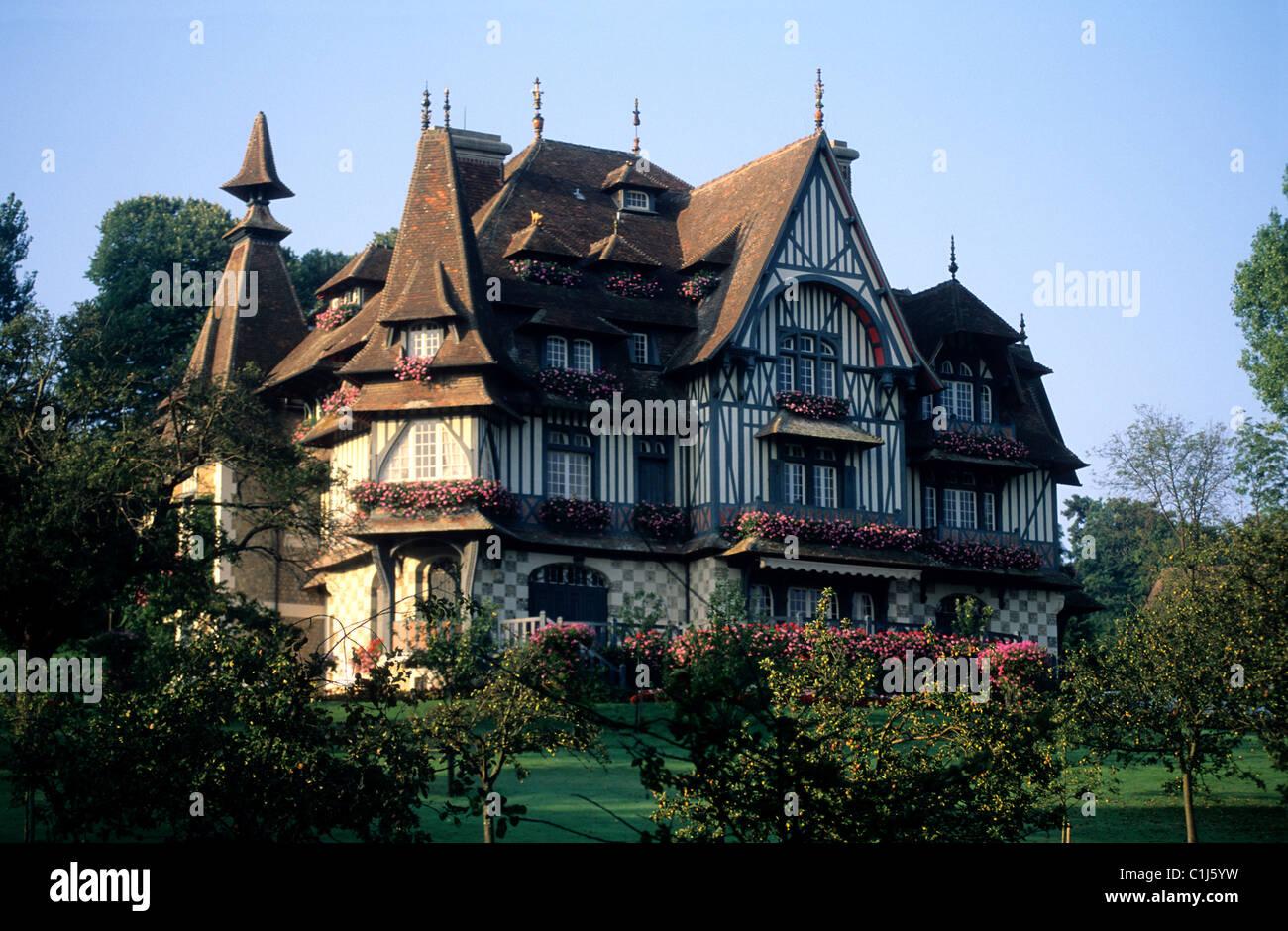 France, Calvados, Pays d'Auge, Deauville, Villa ...