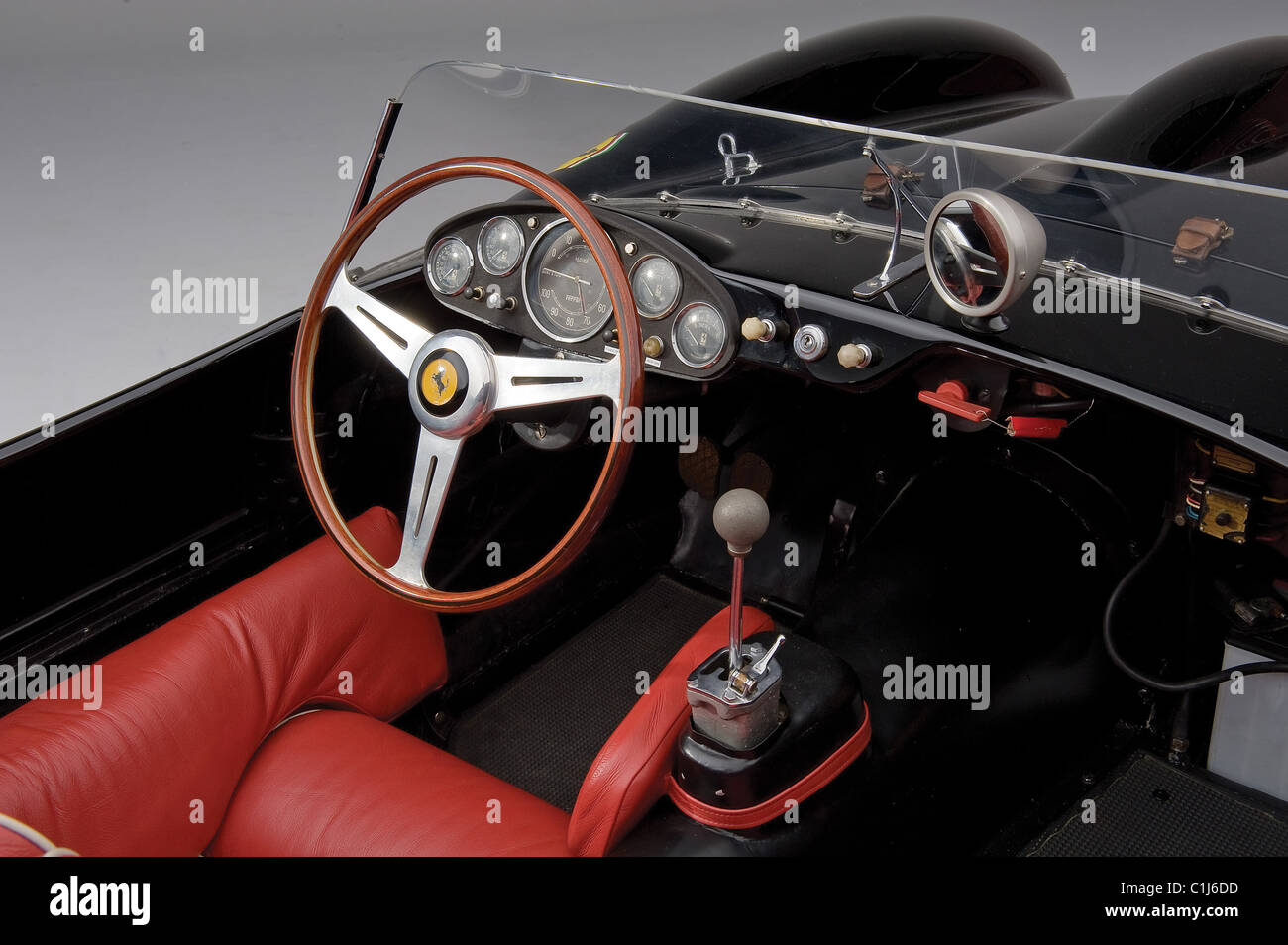 I CAR-N\'T BELIEVE THAT PRICE! This vintage Ferrari is the ultimate ...