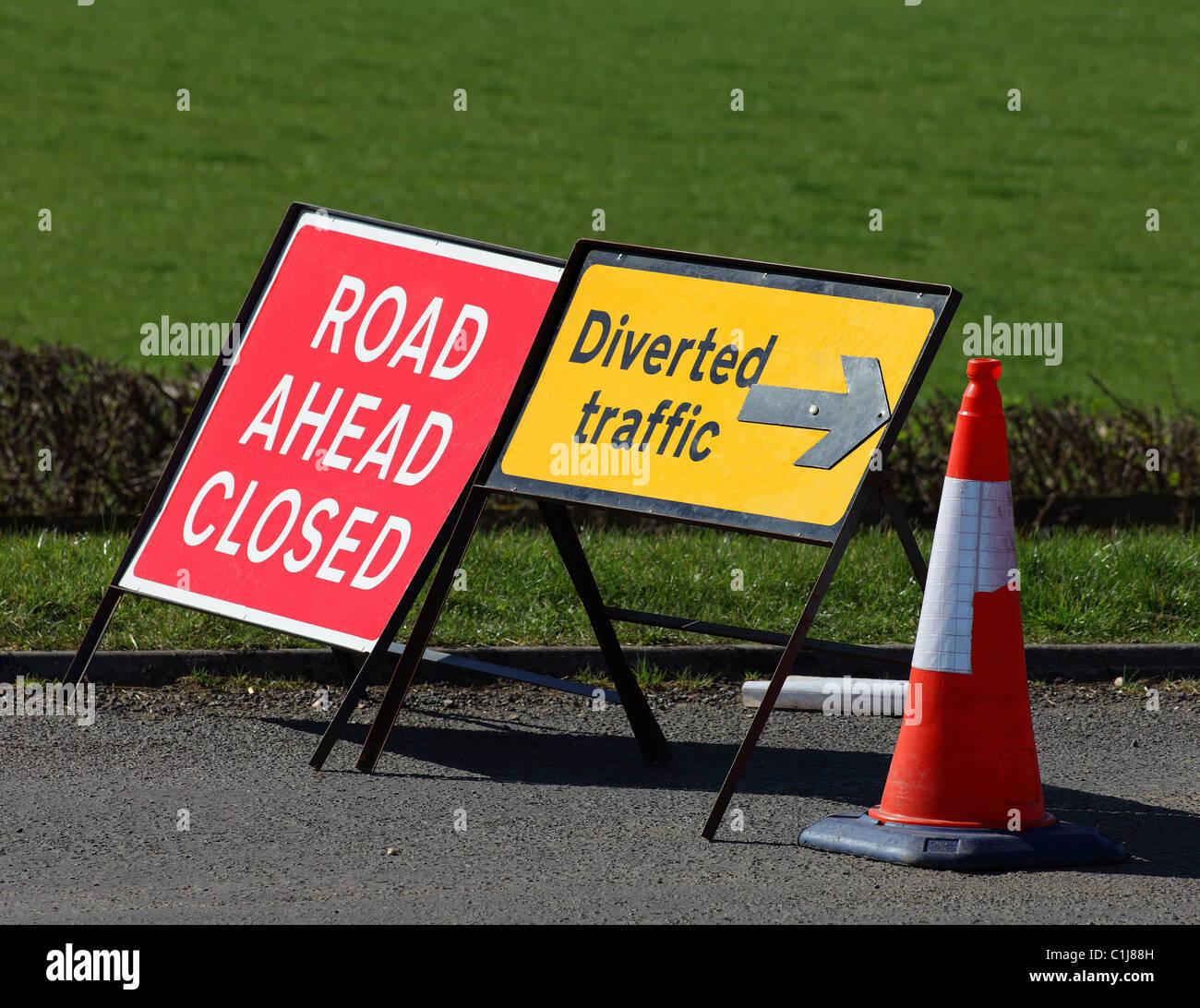 Road Diversion Sign Stock Photos Amp Road Diversion Sign