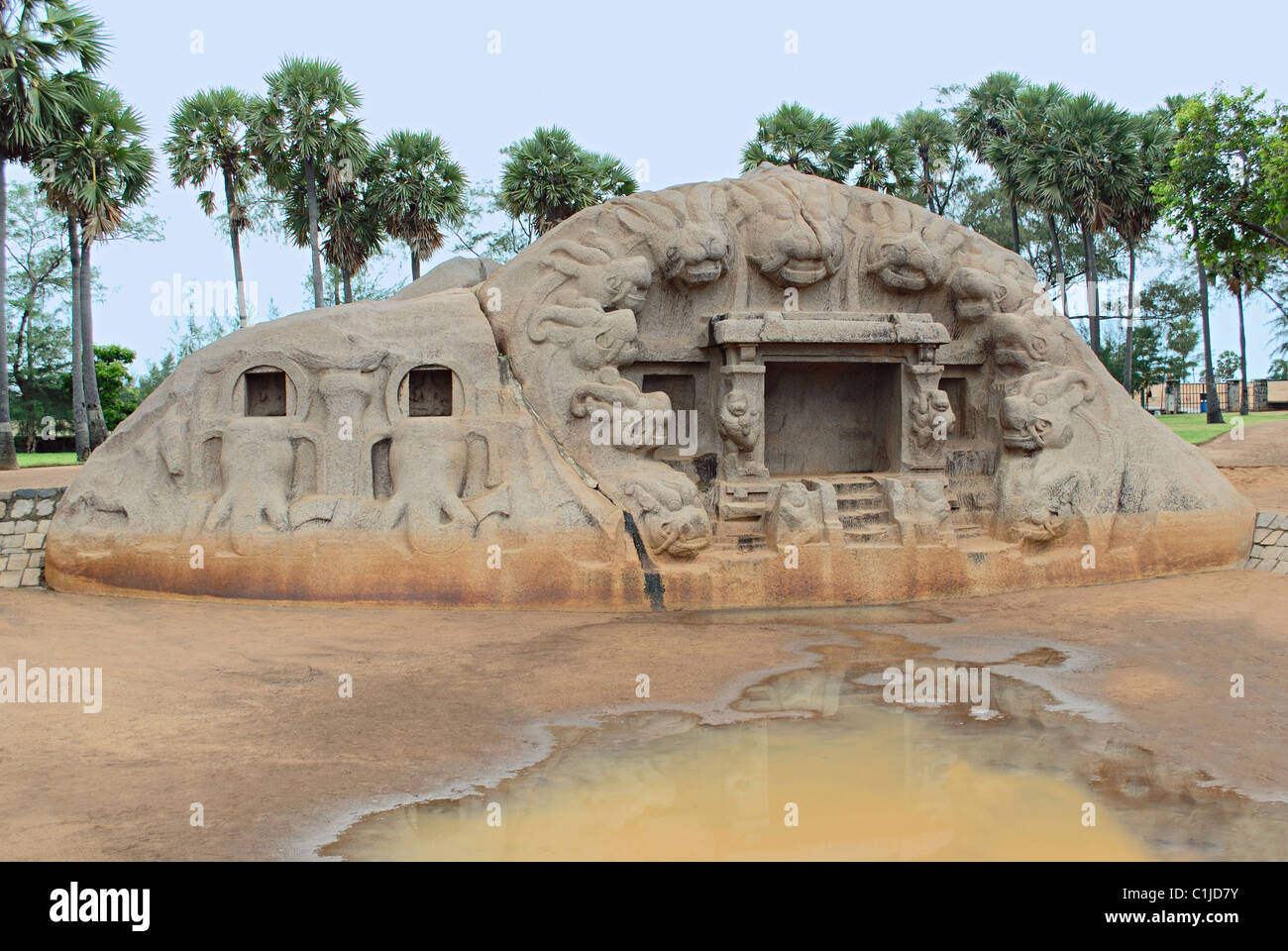 The Tiger Cave, a rock-cut Hindu temple complex located in the hamlet of Saluvankuppam near Mahabalipuram in Tamil - Stock Image