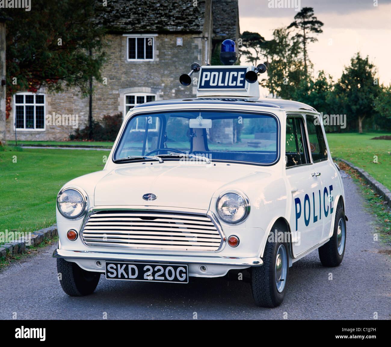 austin-cooper-s-mkii-1969-as-a-police-ca