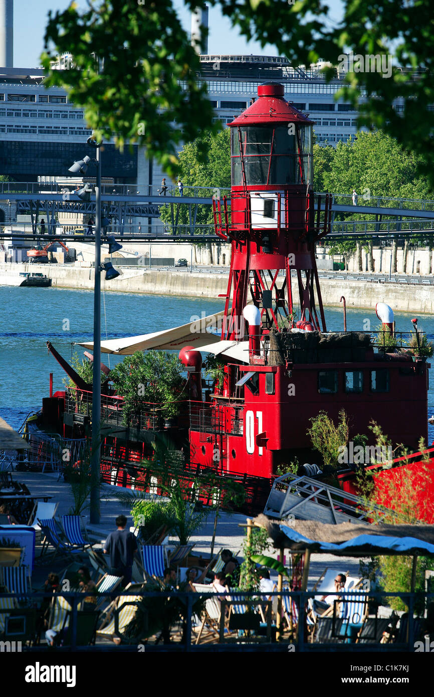 France, Paris, Batofar, boat and lounge bar on François Mauriac's quay - Stock Image