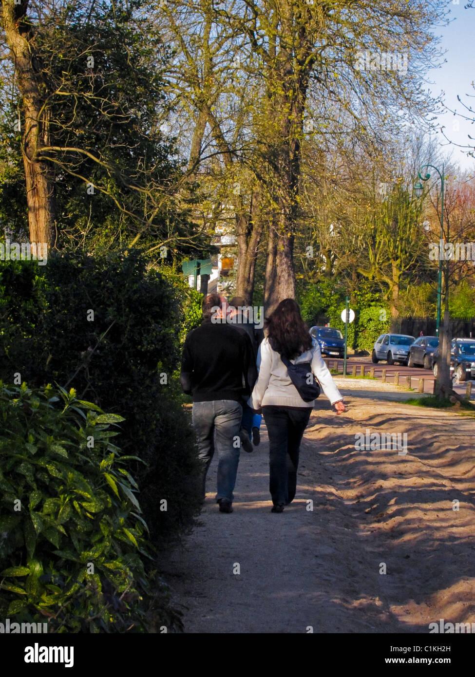 Paris, France, Couple Rear, Promenading in 'Bois de Vincennes', Jardin d'Agronomie Tropicale, Walking - Stock Image