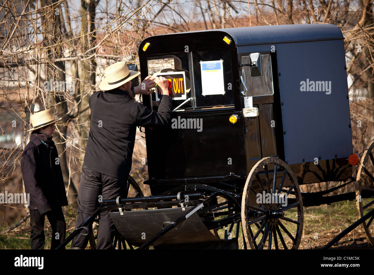 Amish Family Stock Photos Amp Amish Family Stock Images Alamy
